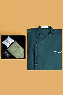 Raksha Bandhan Gift Hamper With Kurta Set & Pocket Square by SONNET