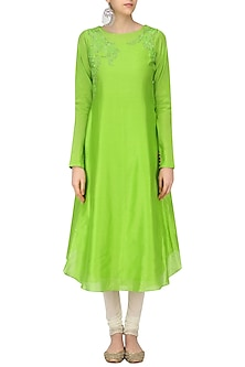 Green Floral Dori Embroidered Asymmetric Kurta by Sloh Designs