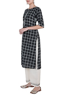Black Geometric Printed Kurta by Silkwaves