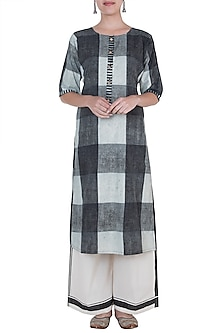 Black & Ivory Hand Block Printed Kurta by Silkwaves