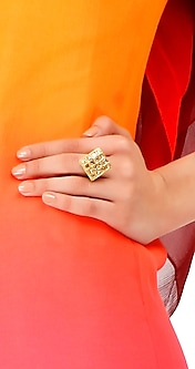 Gold and uncut diamond ring