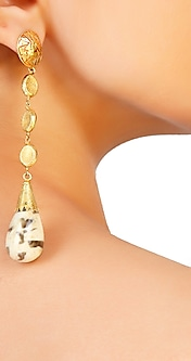 Chain egg earrings in 18kt. gold