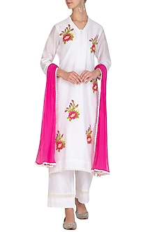 Off White Embellished Kurta Set by Surabhi Arya
