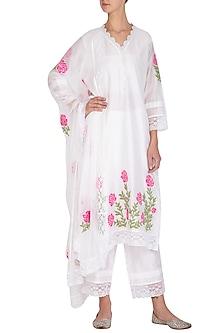 Off White Applique & Lace Embellished Kurta Set by Surabhi Arya