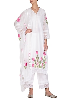 Off White Applique Worked & Lace Kurta Set by Surabhi Arya