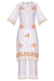 Off White Applique Chanderi Kurta Set by Surabhi Arya