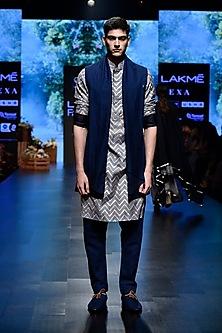 Blue Printed Kurta With Pants by SVA BY SONAM & PARAS MODI Men