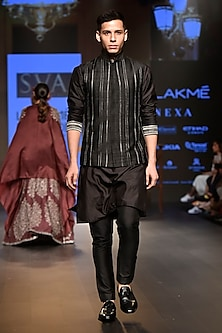 Black Embellished Bundi Jacket by SVA BY SONAM & PARAS MODI Men