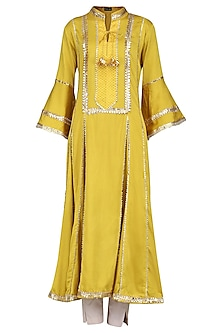 Yellow Gota Patti Embellished Kurta Set by Swati Jain