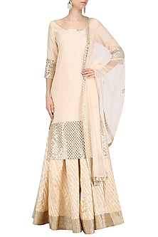 Blush Pink Embroidered Kurta and Skirt Set by Umrao Couture