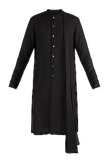 Black Kurta With Attached Stole by Unit by Rajat Suri