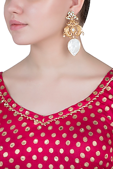 Dull gold plated kundan and mother of pearl earrings