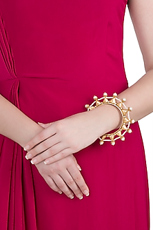 Dull gold plated pearl bangle