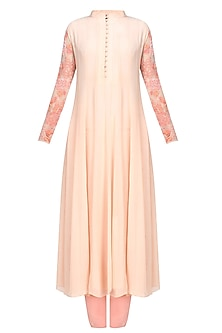 Peach floral embroidered high collared straight kurta and churidaar pants set by Varun Bahl