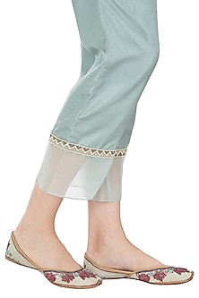Mint Green Dual Tone Embroidered Juttis