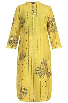 Mustard chanderi silk kurta by Varun Bahl Pret