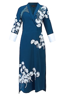 Navy Blue And Ivory Floral Embroidered Collared Kurta