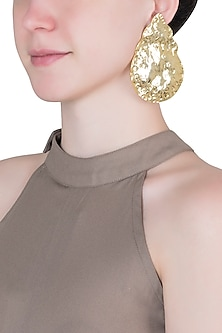 Gold plated textured drop earrings
