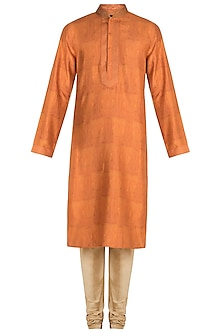 Orange Digital Printed Kurta Set by Vanshik