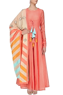 Peach Chanderi Kurta with Printed Kora Dupatta by Vasavi Shah