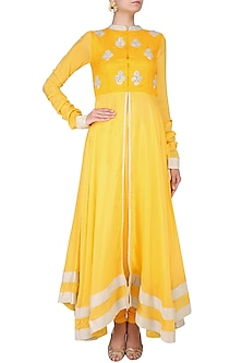 Yellow And Silver Sequins Embroidered Floral Bootis Urab Cut Kurta Set by Vasavi Shah
