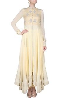 Off White And Silver Sequins Embroidered Floral Bootis Urab Cut Kurta Set by Vasavi Shah