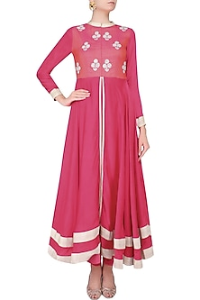 Pink And Silver Sequins Embroidered Floral Bootis Urab Cut Kurta Set by Vasavi Shah