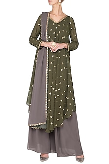 Olive green embroidered kurta set by Vvani by Vani Vats