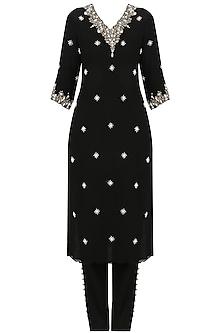 Black Pearl Embroidered Kurta and Pants Set by Varsha Wadhwa