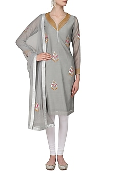 Grey Gota Patti Leaves Embroidered Kurta Set by Surendri by Yogesh Chaudhary